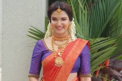 Honey Rose - Photos